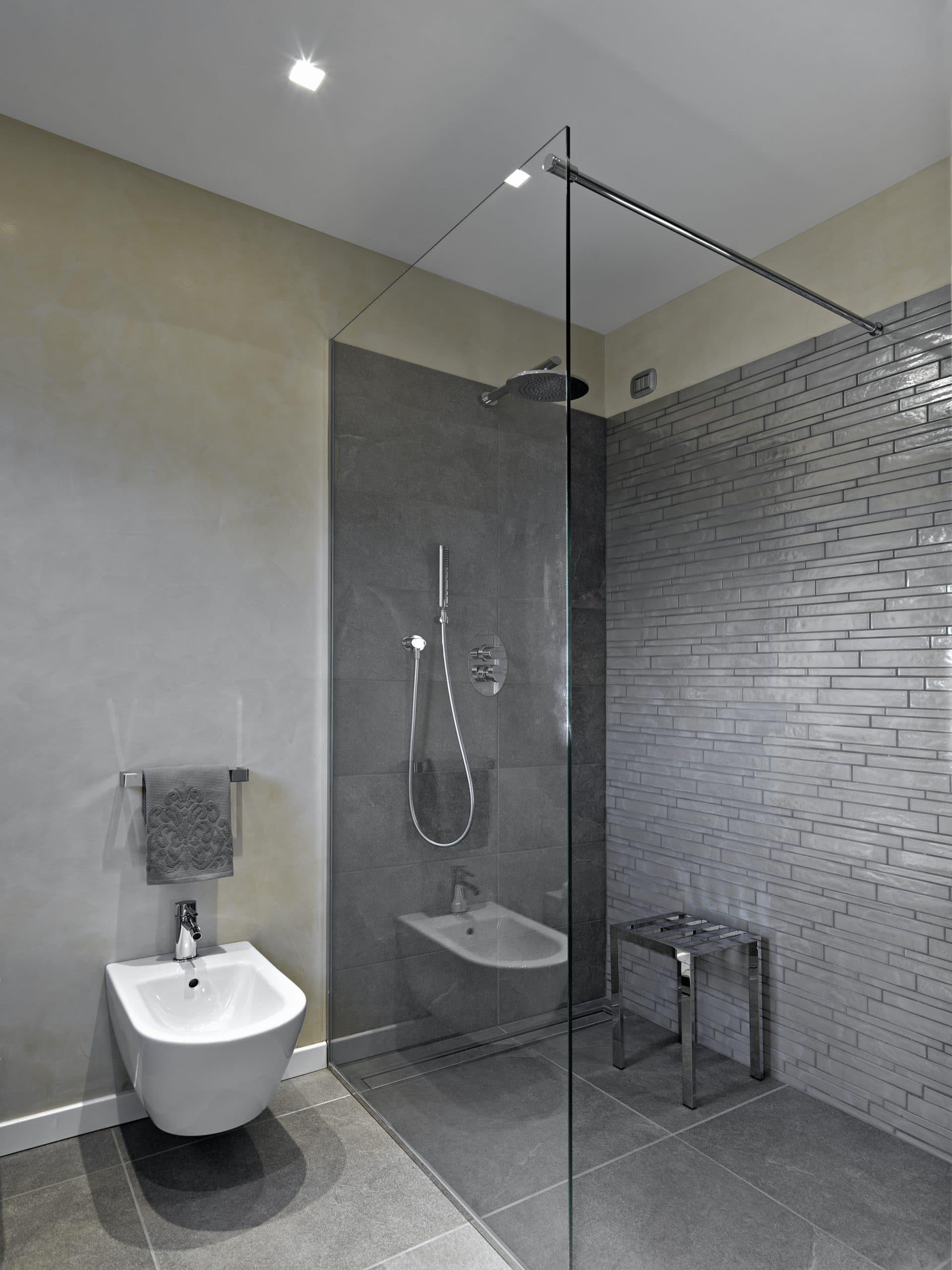 paroi douche sur mesure best paroi de douche en verre. Black Bedroom Furniture Sets. Home Design Ideas